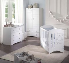 Habitación infantil en lacado blanco con la cuna Sweet Bear.