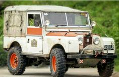 Early Series Land Rover, great patina