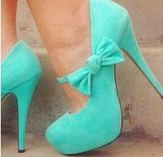 Cute turquoise bow heels ★