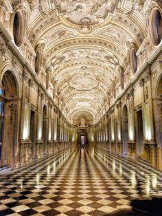 interior in barocco