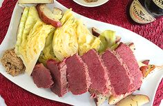 Homemade Corned Beef and Cabbage with Roasted New Potatoes Homemade Corned Beef, Corn Beef And Cabbage, Tuna, Roast, Potatoes, Fish, Recipes, Potato