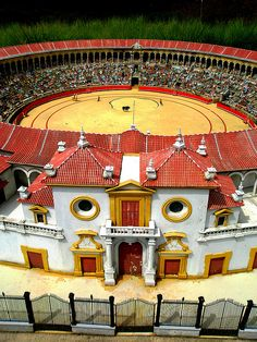Plaza de toros la Maestranza sevillana by Piliti, via Flickr