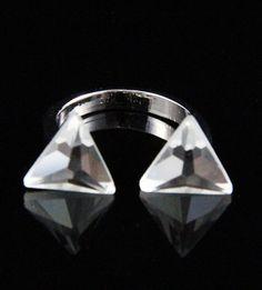 Anel triangulos prateado  La Ditta www.laditta.com.br
