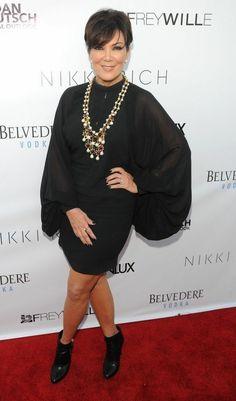 Kris Kardashian Jenner Kardashian Family, Kardashian Style, Kardashian Jenner, Kris Jenner Style, Bruce Jenner, Good Looking Women, Jenner Sisters, Signature Look, Boss Lady
