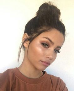 Simple and glowy fall makeup