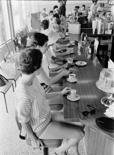 A group of unknown female diners. Date and photographer unknown.