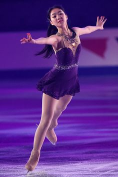 OSAKA, JAPAN - NOVEMBER Zijun Li of China performs her routine in the exhibition during day three of ISU Grand Prix of Figure Skating NHK Trophy at the Namihaya Dome on November 2014 in Osaka, Japan. (Photo by Atsushi Tomura/Getty Images) Figure Skating Moves, Figure Skating Costumes, Beautiful Figure, Beautiful People, Figure Ice Skates, Glamour Shots, Figure Skating Dresses, Skater Girls, Dance Dresses
