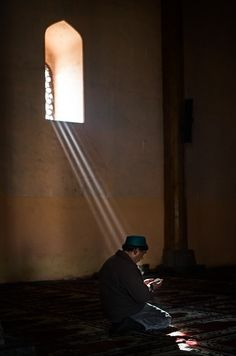 Morning Light at the Jammia Masjid, Srinagar, Kashmir by Matt Brandon Islamic Wallpaper, Srinagar, Prayer Room, Islamic Pictures, Sufi, Islamic Art, Islamic Quotes, Color Photography, Mosque