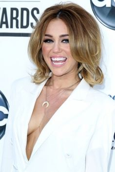 Miley Cyrus - 2012 Billboard Music Awards in Las Vegas. Loving her hair.