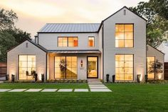 60 Stunning Modern Farmhouse Exterior Design Ideas Modern Farmhouse style is a very good choice, let alone integrated with a modern twist. Trend style modern farmhouse more and more popular since this . Modern Farmhouse Exterior, Farmhouse Style, Farmhouse Ideas, Farmhouse Windows, Farmhouse Architecture, Farmhouse Flooring, Landscape Architecture, Casas Containers, Dream House Exterior