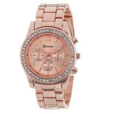 Both classic and contemporary, this MICHAEL KORS watch gets its professional…
