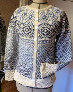 Ravelry: Porselensblomst by Trine Lise Høyseth Fair Isle Knitting, Hand Knitting, Knitting Ideas, Knit Jacket, Knit Cardigan, Bolero Pattern, Bunt, Ravelry, Knit Crochet