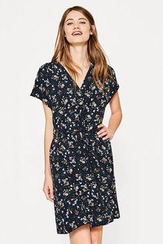 Sukienka z nadrukiem i troczkiem