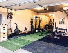 Top 75 besten Garage Gym Ideen – Home Fitness Center Designs - Home Gym - Fitness Home Gym Basement, Home Gym Garage, Diy Home Gym, Home Gym Decor, Gym Room At Home, Best Home Gym, Fitness Design, Home Gym Design, House Design