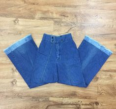 b56380a30785 Rare Vtg 70s Turtle Bax Jeans High Waist Flare Bellbottom Women s 9 10 Waist