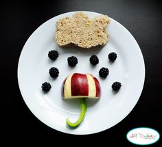 Rainy Day Lunch - there are many more cute and easy lunch ideas for the kids at Meet the Dubiens!