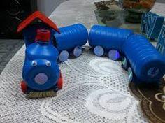 Resultado de imagen para juguetes con material reciclado Tin Can Crafts, Craft Stick Crafts, Preschool Crafts, Halloween Crafts For Kids, Diy Crafts For Kids, Fun Crafts, Plastic Bottle Crafts, Diy Bottle, Plastic Bottles