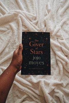 The Giver of Stars: Book by Jojo Moyes Best Poetry Books, Best Books To Read, I Love Books, Good Books, My Books, Book Suggestions, Book Recommendations, Book Club Books, Book Lists