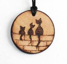 Personalized Three Cat Mother and daughter family handmade wood necklace, Pyrography burned on designer wooden pendant made by artist Ornik Wood&Art, Wood Slice Crafts, Wood Burning Crafts, Wood Burning Patterns, Wood Burning Art, Wood Crafts, Diy Wood, Pyrography Patterns, Pyrography Ideas, Wood Necklace