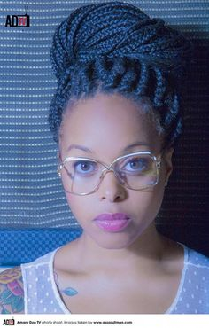 someone is using the dodge tool because i always take 4 takes to realize this is chrisette michelle :[[[