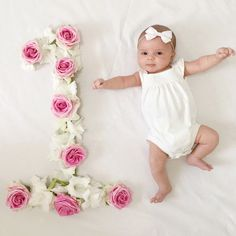 Tips for Months of Links - - # Photography - Babyshooting - One Month Old Baby, Baby Month By Month, Pinterest Baby, Baby Monat Für Monat, Monthly Baby Photos, Monthly Pictures, Baby Girl Pictures, Foto Baby, Baby Poses