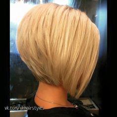 Graduated Bob Haircuts, Layered Bob Haircuts, Bob Hairstyles For Fine Hair, Hairstyles Haircuts, Blonde Graduated Bob, Inverted Bob Hairstyles, Everyday Hairstyles, Hairdos, Short Hair Cuts
