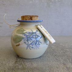 Robert Gordon Pottery Australia. small herb jar - chives Australian Pottery