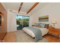 alternate bedroom style