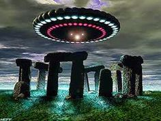 For all Starseeds - UFO ET Cosmos Light Beings Items by StellarOriginsGifts Arte Alien, Arte Sci Fi, Alien Art, Sci Fi Art, Ancient Aliens, Aliens And Ufos, Stonehenge, Cosmos, Alien Photos