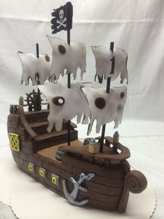 Piratenschiff- Torte