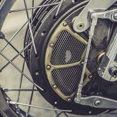 Details! Vintage racing drum brake setup. Photo by @Laurent Nivalle. #drumbrake #bmw #details #motorcycle #croig #caferacer #caferacersofinstagram #inspiration #aesthetics #design #art #Padgram
