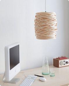 Lámpara colgante de techo hecha a mano con tira de madera