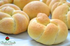 Pane fatto in casa My Favorite Food, Favorite Recipes, Piece Of Bread, Bread And Pastries, Ricotta, Italian Recipes, Basil, Sandwiches, Food And Drink
