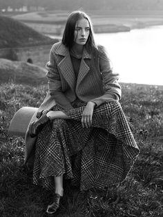 Jamilla Hoogenboom Pose for portrait Photoshoot