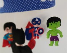 MOBILE DE BERÇO SUPER HEROIS