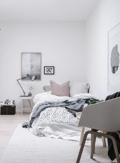 5 Simple and Creative Tips and Tricks: Minimalist Bedroom Plants Small Spaces minimalist home tour gray.Minimalist Home Decorating Wall minimalist living room minimalism coffee tables.Minimalist Home Decorating Wall. Dream Bedroom, Home Bedroom, Bedroom Decor, Calm Bedroom, Bedroom Inspo, Bedroom Signs, Decorating Bedrooms, Master Bedrooms, Bedroom Ideas