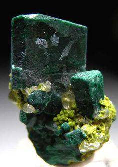 Malachite after Azurite on Bayldonite from Tsumeb, Namibia