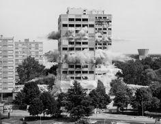 no23:Mathieu Pernot, Implosions, via.