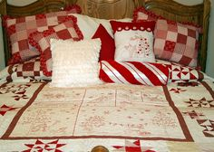 Christmas red & white quilt and pillows Christmas Rag Quilts, Christmas Tree Quilt Pattern, Snowflake Quilt, Christmas Bedding, Christmas Applique, Christmas Sewing Projects, Christmas Crafts, Christmas Ideas, Red Christmas