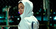 Watch what happens when Jessica Henwick's Colleen Wing gets in a cage match with two guys twice her size in a bone-crunching clip from Iron Fist. Iron Fist Netflix, Marvel Comic Character, Marvel Movies, Marvel Colleen Wing, Marvel Television, Jessica Henwick, Dark Costumes, Misty Knight, Defenders Marvel
