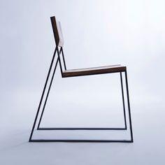the chair is simple Designer : Marta Adamczyk / Moskou Cool Furniture, Modern Furniture, Furniture Design, Futuristic Furniture, European Furniture, Inexpensive Furniture, Plywood Furniture, Living Furniture, Accent Furniture