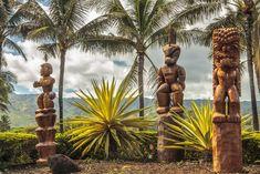 Polynesian carvings on Oahu