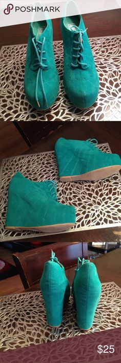Ankle shoes Turquoise wedge, ankle shoes. Very comfortable worn only twice City Snappers Shoes Wedges