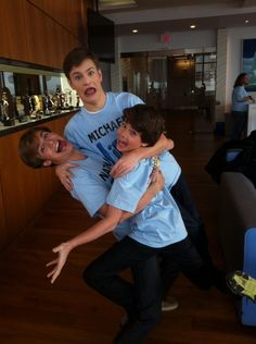 Jake Goodman,Michael Murphy,and Nathan Mcleod on set on Life With Boys