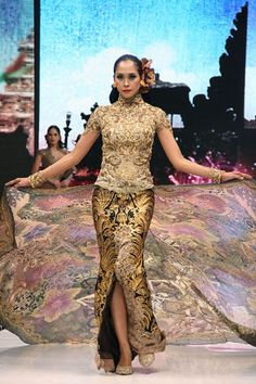 "Anne Avantie ""Ramli dalam Kenangan"" Kebaya Brokat, Kebaya Dress, Batik Kebaya, Batik Dress, Kimono, Modern Kebaya, Indonesian Kebaya, Batik Fashion, Ethnic Dress"