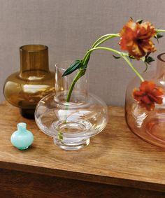 Kodin kevät - Marimekko Marimekko, Light And Shadow, Home Collections, Color Schemes, Glass Vase, Lights, House Ideas, Middle, Inspiration