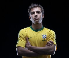 NILMAR SILVA ............................Born: July 14, 1984 (age 28), Bandeirantes, Paraná Team: Al Rayyan SC (#9 / Forward)