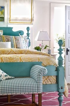 Substitute the pink area rug for an orange one, slap some nice teal/mint on the wall, and ship this room to me. ASAP.