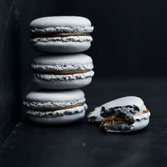 Licorice and Dark Chocolate Macarons Recipe