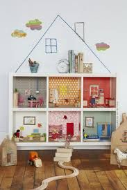 DIY Dollhouse Bookcase- LOVE this idea! Perfect bookcase for it at Wal-Mart. We actually already own a bookcase, but it's being used for things. Can buy a second one to transform. Ikea Regal Expedit, Ikea Kallax, Ikea Eket, Kallax Hack, Trofast Hack, Kallax Regal, Sweet Home, Special Kids, Diy Dollhouse